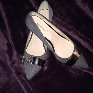 MUST HAVE Nine West gray pointed toe heel
